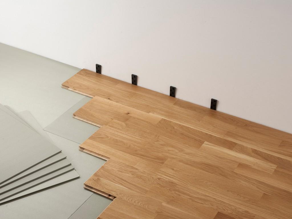 comment poser du parquet flottant les tapes parquet. Black Bedroom Furniture Sets. Home Design Ideas